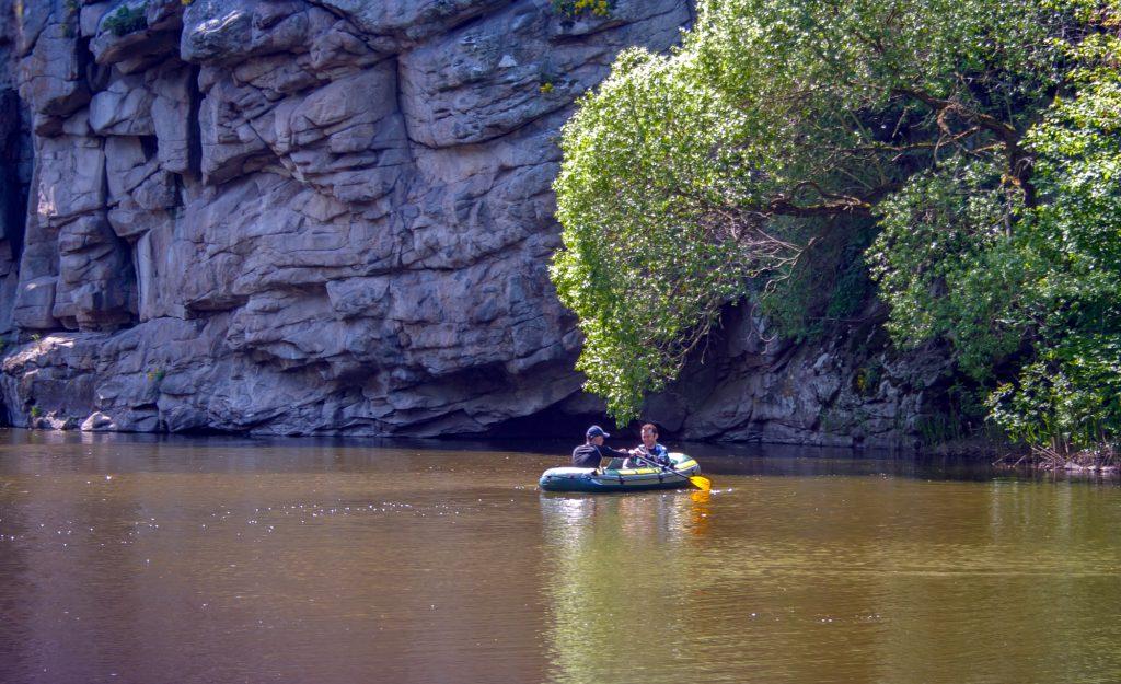 Лодка на прокат в Букском каньоне